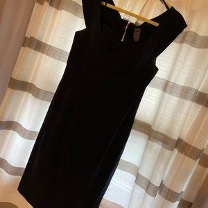 Navy blue, below the knees dress. Vera Wang 10